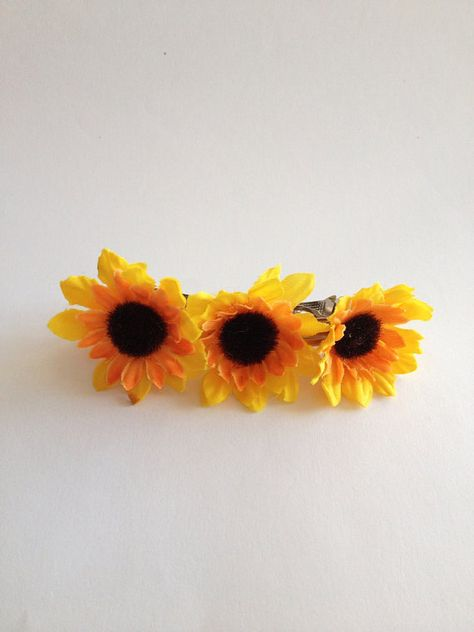 FLOWER girl Barrette - Sunflower Hair Clip Cute little sunflower comb with 3 small sunflowers . Cute and adorable for your little Flower Girls !   Style : Sunflower Measurement : app. 4x 2.5 inches ****************************************** Sunflower Wedding section : https://www.etsy.com/shop/HappyWeddingArt?ref=hdr_shop_menu&view_type=list§ion_id=17887553   Sunflower Ring Pillow : https://www.etsy.com/listing/249924861/wedding-ring-pillow-sunflower-wedding?ref=shop_home_active_17…
