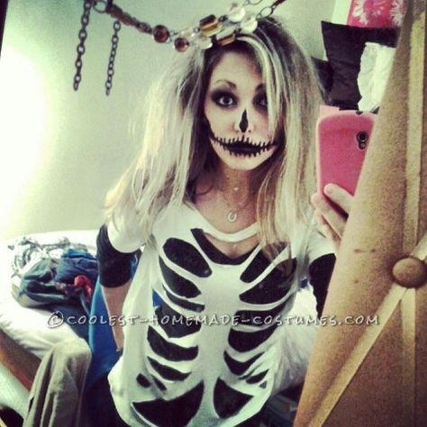 Last Minute Homemade Sister Skeletons Halloween Costumes #halloween #skeleton