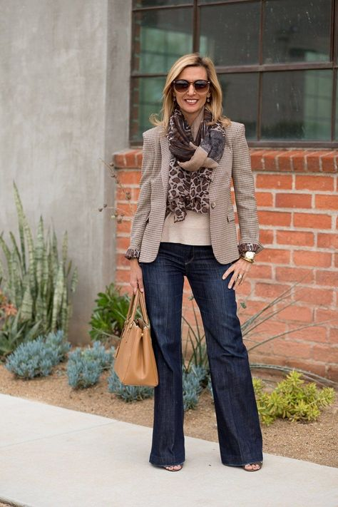 Best Outfits For Women Over 50 - Fashion Trends