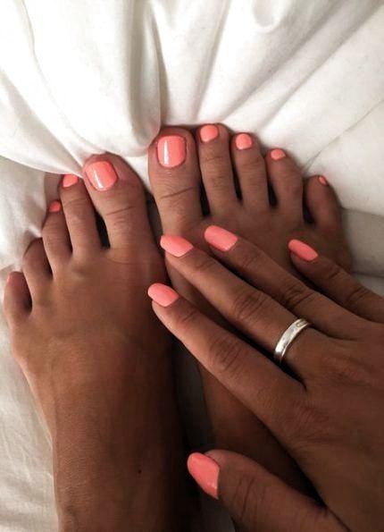 Apr 7 2020 Simple Nail Art Summer Holiday Nails Summer Glitter Coral Holiday Nails Summ Art Cora In 2020 Summer Toe Nails Summer Holiday Nails Toe Nail Color