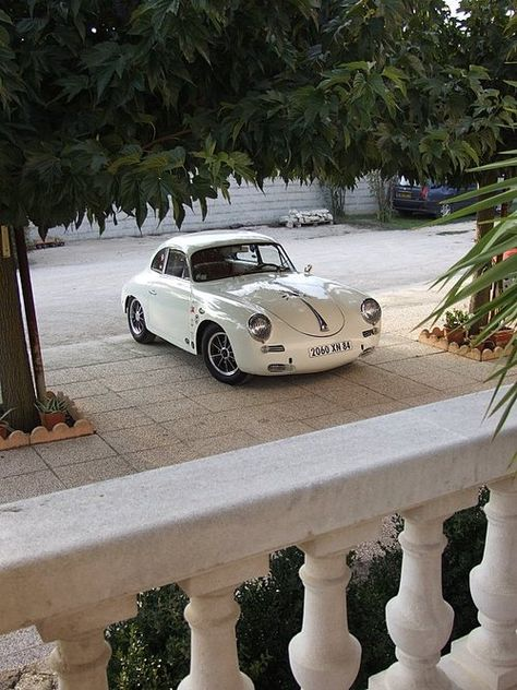 1959-1960 356B T5 Porsche. You can spot the T5 by the raised lights and raised bumper. However what differs from the T6 B and C models is that the front bonnet is still rounded. In 1961 Porsche introduced the T6 B that included disc brakes, a petrol flap (so you did not have to open the bonnet) and then in the C model Porsche went for a square bonnet.