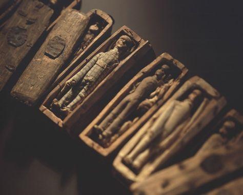 Výsledek obrázku pro dwarf coffin in edinburgh