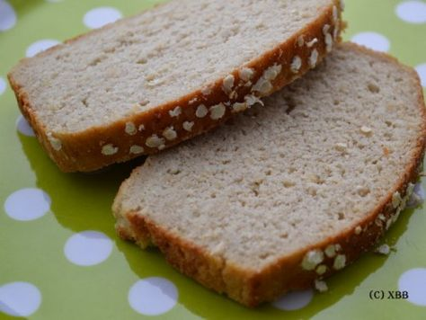 Glutenvrij brood: hoe maak je dat zelf? Welke ingrediënten mag je wél gebruiken? Ik maakte een glutenvrij brood met glutenvrij meel. Een lekker brood.