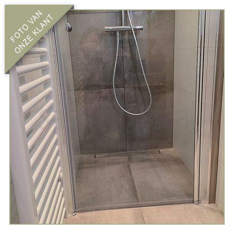 Draaideur douche, kleine badkamer, betonlook tegels - Foto\'s van ...