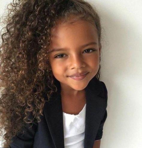 Idee Coiffure Cheveux Crepus Enfant Coiffure Petite Fille Idee