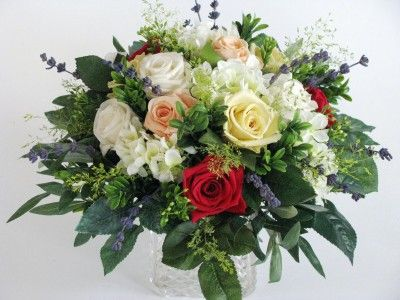Bouquet Of Roses Puzzle In Flowers Jigsaw Puzzles On Thejigsawpuzzles Com Play Full Screen Enjoy Puz Fake Flower Bouquet Fake Wedding Flowers Flowers Bouquet