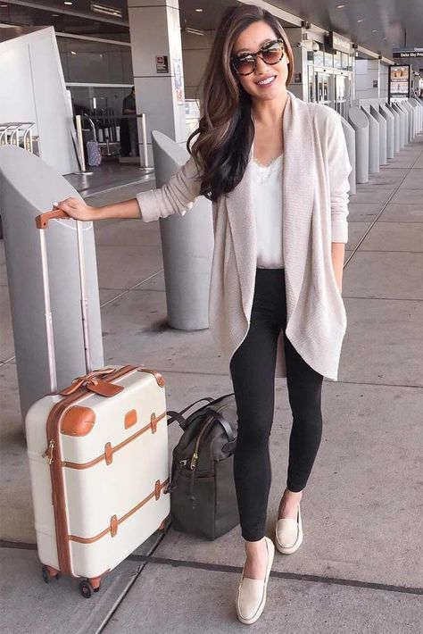 33 Airplane Outfits Ideas: How To Travel In Style - - What to wear to the airport Source by Hansematz
