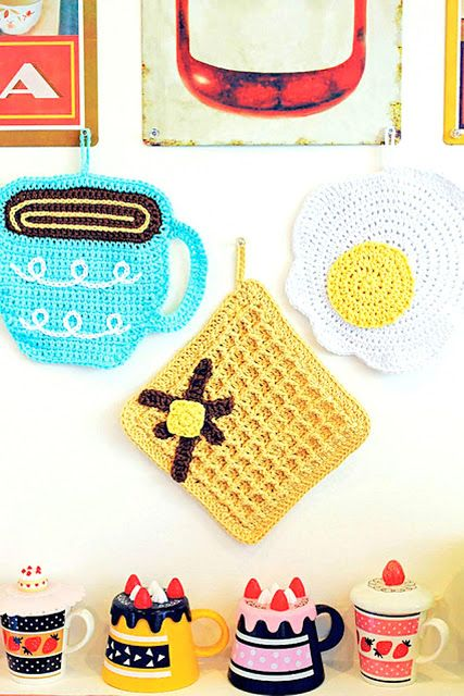 Twinkie Chan S Crocheted Abode A La Mode Amvabe Crochet Crochet Patterns Crochet Gifts Crochet Projects