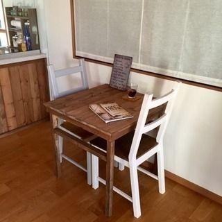 2人だけのダイニングテーブル ダイニングテーブル カフェテーブル センターテーブル サイドテーブル 送料無料 送料込みの画像 カフェ テーブル ヴィンテージ家具 家具のアイデア