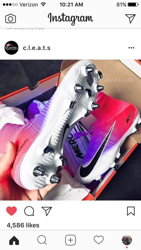 Oh these, these are the soccer cleats I want for next season Soccer Memes, Soccer Gear, Soccer Equipment, Funny Soccer, Soccer Stuff, Girls Soccer Cleats, Football Cleats, Football Players, Nike Soccer Cleats
