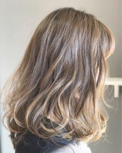 セミロンググラデーションの色っぽさに惹かれる 髪色 ハイライト