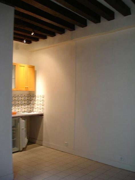Au 14 rue Montmartre, au 6ème étage avec ascenseur, un studio de 27