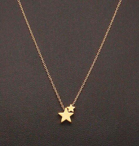 Dainty deux étoiles collier, deux petites étoiles dorées, Fine chaîne, collier délicat