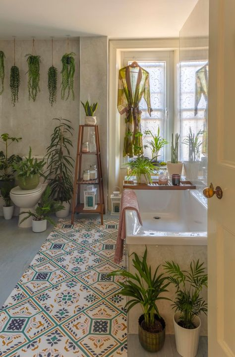 My Style: I would say my style is maximalist I love color and pattern. I am particularly obsessed with the color green and have a love affair with plants.