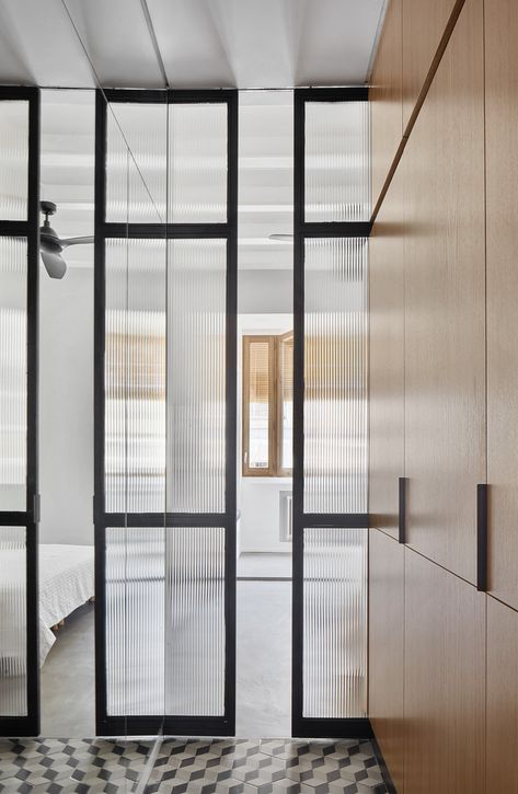 Gallery of Apartment in Gracia / Kahane Architects + Maria Alarcón  - 9