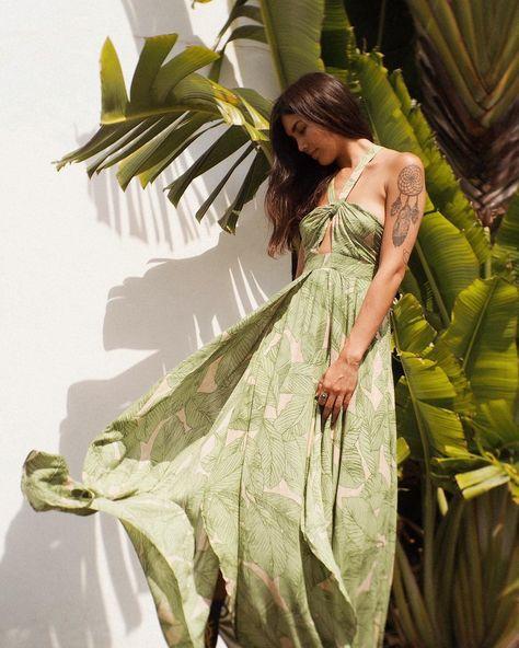 Kimchi Blue Deveraux Cutout Twist Maxi Dress | Urban