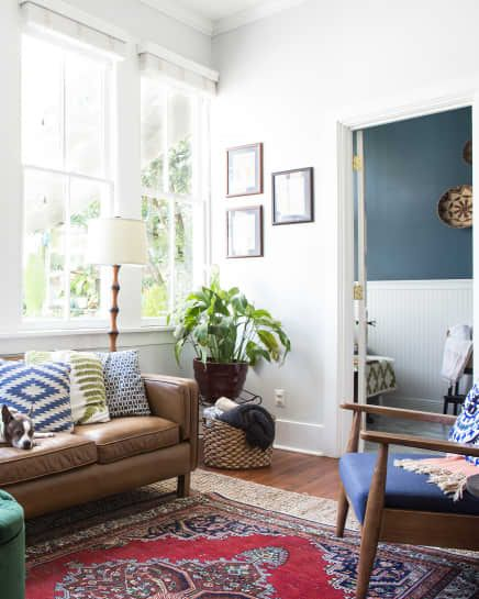30 Absolutely Brilliant Ideas Solutions For Your Small Living Room Small Apartment Decorating Living Room Small Living Room Decor New Living Room