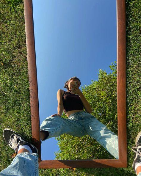 "Amelia Szczęśniak's Instagram photo: ""Those last golden days ☀️ #mirrorselfie #sun #selfie #basicoutfit #nofilter #nature #instagood #me"""