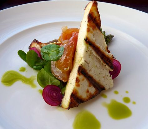 You'll enjoy 3 course gourmet dinners at Longitude 131°.
