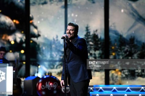 Chris Young Christmas.Chris Young Performs During The Cma 2016 Country Christmas