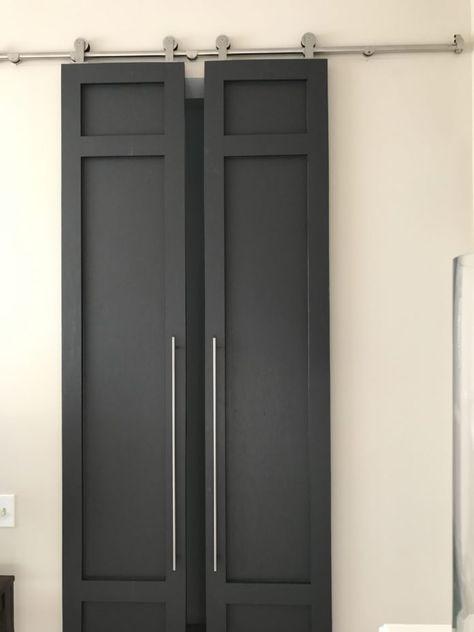 DIY modern style high sliding doors with pulls - part modern barn doors Barn Door In House, Barn Door Closet, Farm Door, Barn Door For Bathroom, Barn Door Pantry, House Doors, Bathroom Doors, Modern Sliding Doors, Double Barn Doors