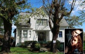 Now You Can Stay In Bella Swan S House From Twilight Hooked On Houses Twilight House Honeymoon Cottages Cottage Names