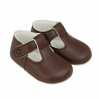 tan t bar baby shoes