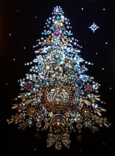 Making Christmas Tree Decorations Ks2 It Is Christmas Trees In The Bible Above Christmas Tree Jewelry Christmas Tree Vintage Jewelry Crafts Christmas Tree Art
