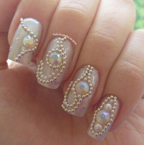 Uñas Decoradas Con Piedras De Cristal Muy Elegantes Uñas