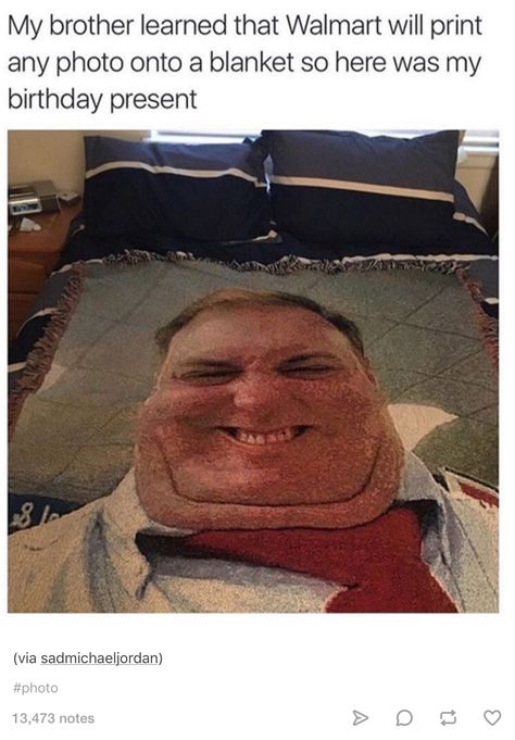 If I walked into my room and saw this across my bed everyday I'd be terrified (I mean, eventually I'd get used to it, but still) XD