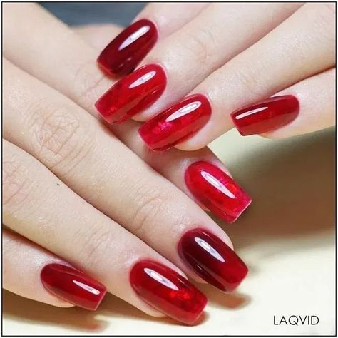 30 gorgeous christmas nail art ideas to beautify the moment 20   galeryhome.com