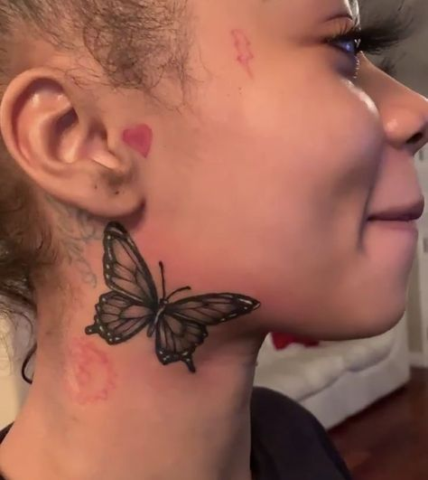 Dope Tattoos For Women, Neck Tattoos Women, Girl Neck Tattoos, Black Girls With Tattoos, Side Of Neck Tattoo, Small Face Tattoos, Face Tats, Body Art Tattoos, Hand Tattoos