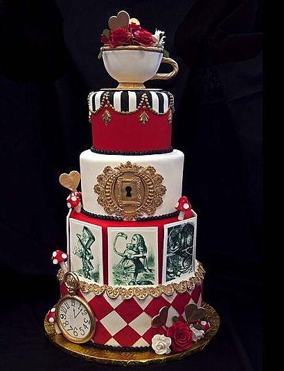 A Different Wedding Cake Alice In Wonderland Weddingtheme
