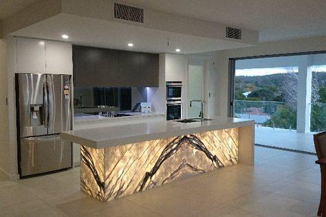 Project Stone Australia – Galleries > Kitchen – Queensland's largest range of stone surfaces. Natural Stone: Basalt, Granite / Quartzite, Limestone, Marble, Onyx, Semi-Precious Stone, Travertine. Engineered Stone: Samsung Radianz Quartz, TrendStone