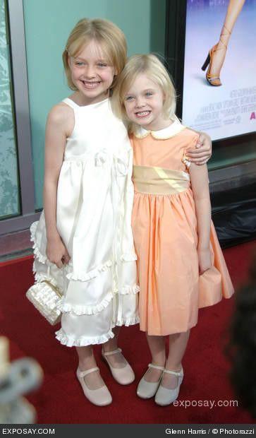Dakota Fanning and Elle Fanning as short, young girls