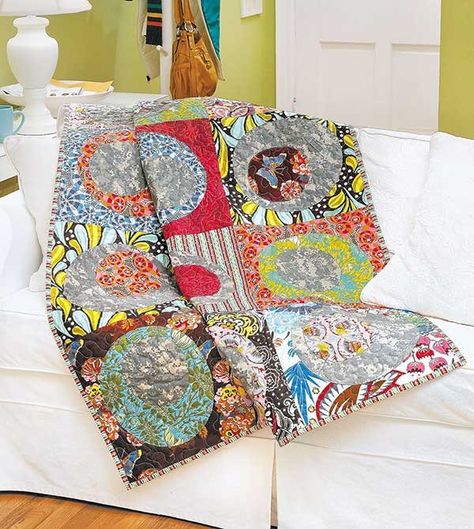 Vibrant fabrics in a medley of popular shapes, from circles and stars to squares and triangles, make eye-catching quilts with a frivolous touch. In Fun Colorful Quilts, designs for patchwork and appliqu© techniques include Petal Pushers by Me and My Siste