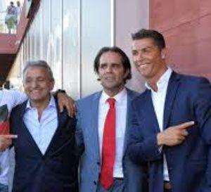 """Le+premier+hôtel+""""CR7""""+ouvre+à+Madère,+qui+rebaptise+son+aéroport+""""Cristiano+Ronaldo"""""""