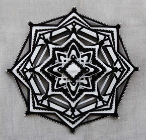 Darkness reveals Light, yarn mandala ~ Ojo de Dios, 12 inches (31 cm), 8-sided, wall hanging Más