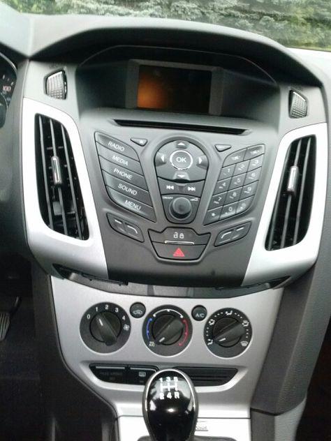 2014 Blue Ford Focus Sedan Se 5 Spd