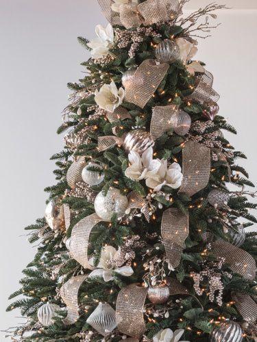 Fiori Bianchi Per Albero Di Natale.Image Result For Champagne Platinum And Crystal Christmas Tree