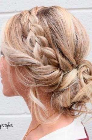 Trendy Makeup Ideas For Wedding Guest Messy Buns Ideas Medium Length Hair Styles Medium Hair Styles Hair Styles
