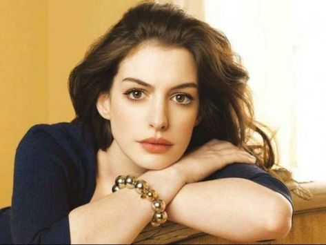 Anne Hathaway net worth, asset, income source, earnings