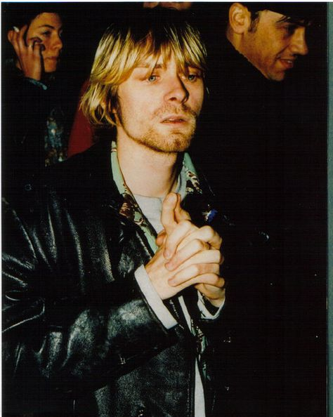 28 rare but AMAZING pictures of my one and only hero and inspiration, Kurt Cobain.