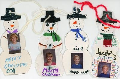 Christmas ornament tradition is easy when your kids have the same  2nd grade teacher