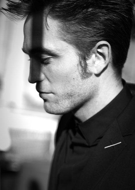 Pin By Heidi On R O B E R T In 2020 Robert Pattinson Robert Pattinson Movies Robert