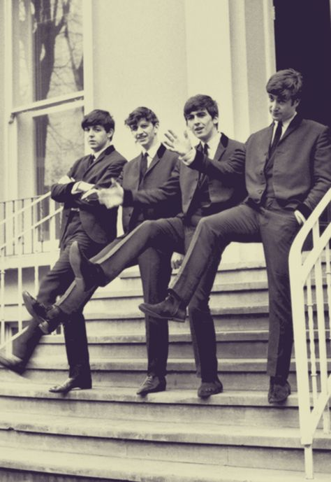 a brief look at the beatles While recording a day in the life, the beatles knew that something would fill the sections after the i'd love to turn you on lines at the end of the orchestral recording, the musicians broke into spontaneous applause after they had left the studio, the beatles and a number of friends attempted.