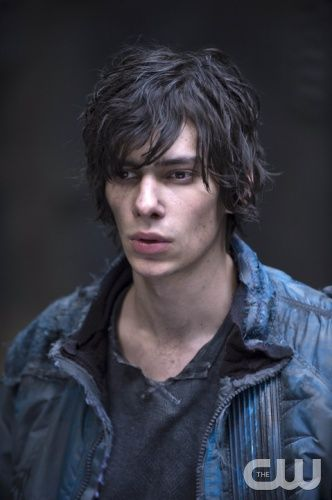 """The 100 -- """"We Are Grounders - Part II"""" -- Image: HU113d_0219-- Pictured: Devon Bostick as Jasper -- Photo: Cate Cameron/The CW -- © 2014 The CW Network, LLC. All Rights Reserved"""