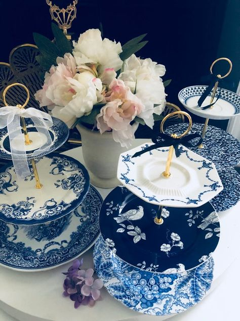 Vintage Wedding Blue Willow Chinoiserie Decor Cake Stand 3 Tier Serving Tray Spode Plate Mismatched Plates Blue White Cupcake Stand Vintage Cake Stands Wedding Cake Stands Mismatched Plates