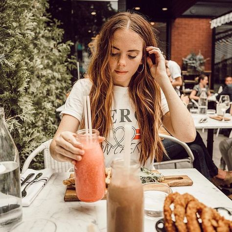Cute picture of me @ a cafe