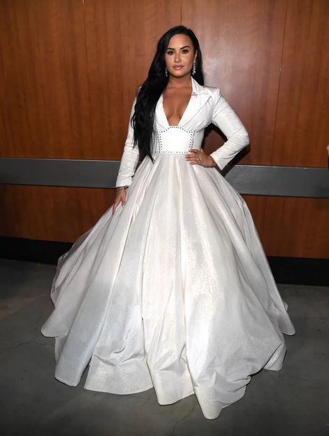 Demi Lovato At The 2020 Grammys In 2020 With Images Grammy Dresses Demi Lovato Dresses
